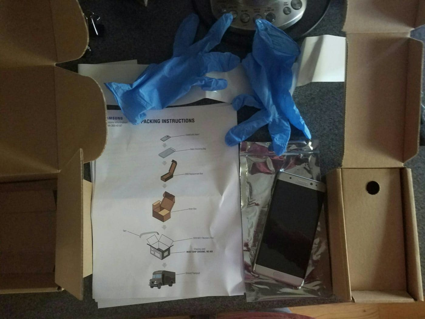 """Samsung Sending Out Apology Message With a Thermal-Insulated """"Note 7 Return Kit"""" To Customers"""
