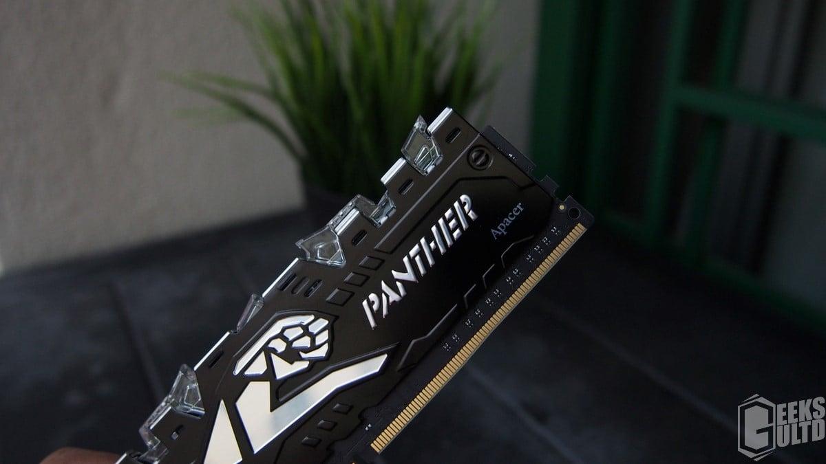 Apacer Panther Rage Illumination 2x8GB DDR4-2400 White LED RAM Review 1