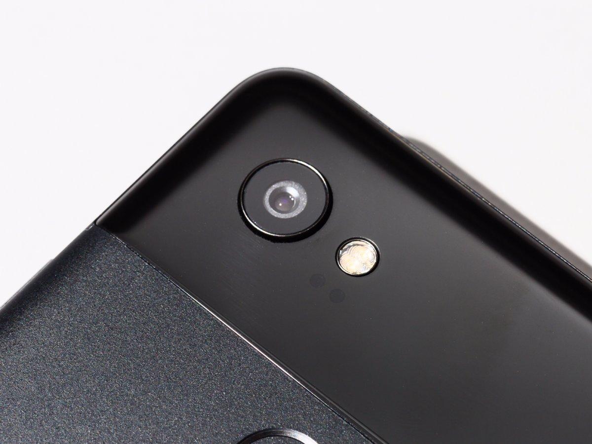 Google Pixel 2 Camera Hump in Black