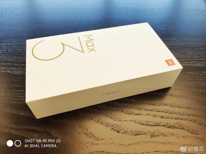 Xiaomi's CEO Lei Jun Teases Mi Max 3's Box 4