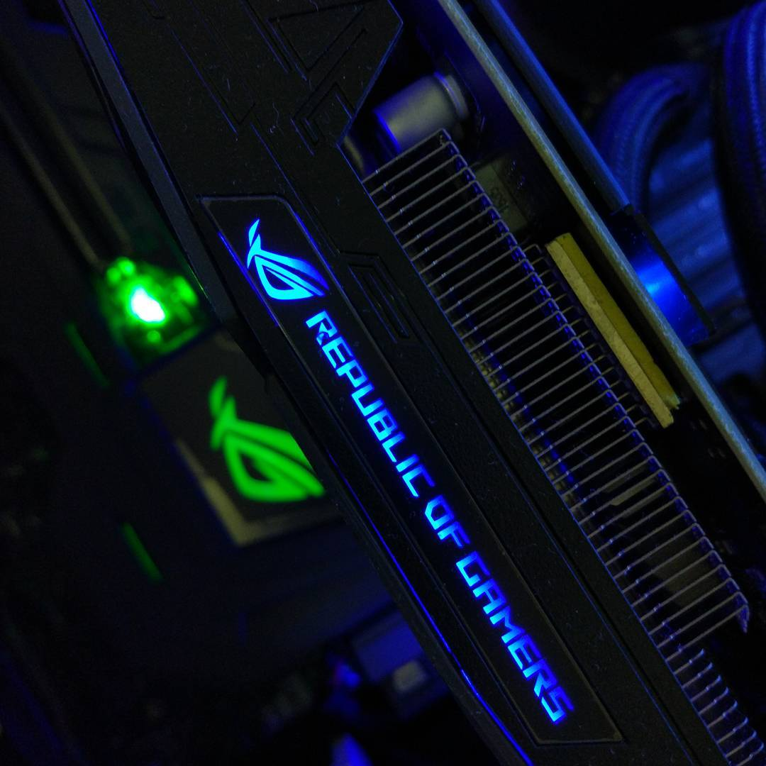 eSports Is Flourishing PC Gaming - Headsets Sales Up By 83%, Controllers By 22%, Monitors By 350% 1