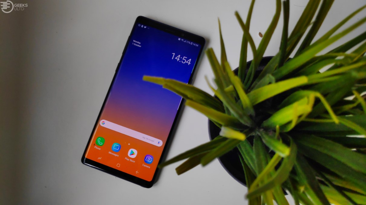 Pocophone F1's Google Camera Mod Goes Neck and Neck With The