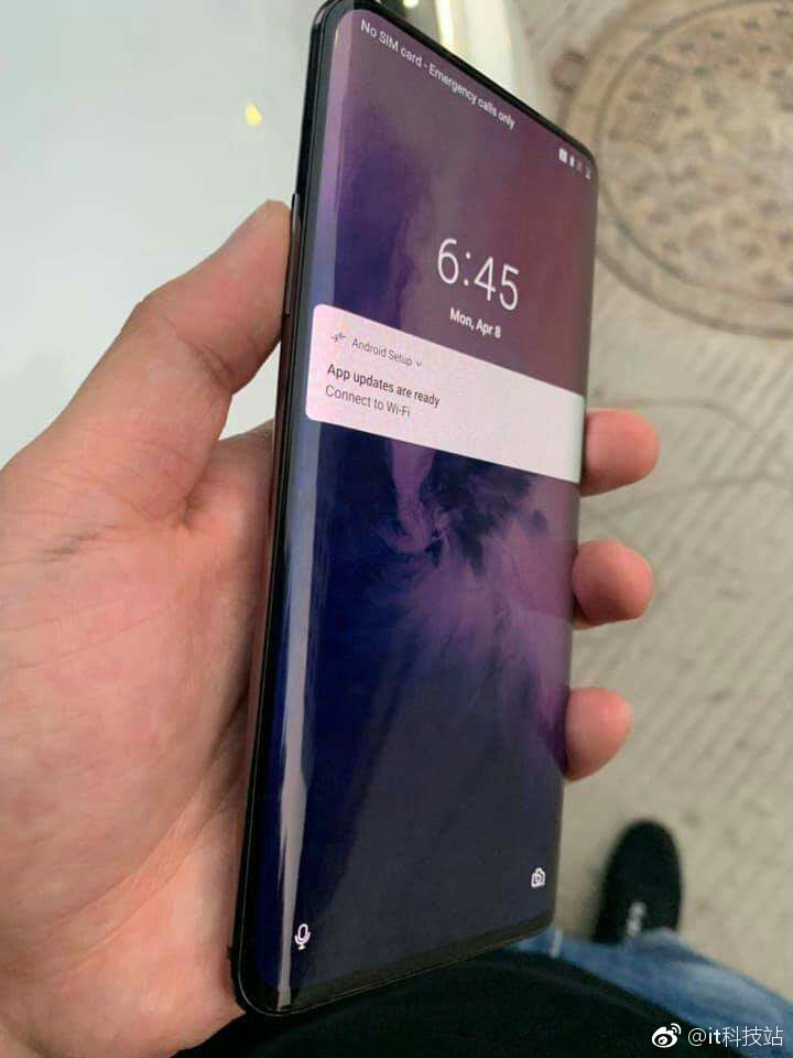 Alleged OnePlus 7 Pro Images & Specs Leaked - And It's The Ultimate Fusion Between Samsung & Xiaomi 9